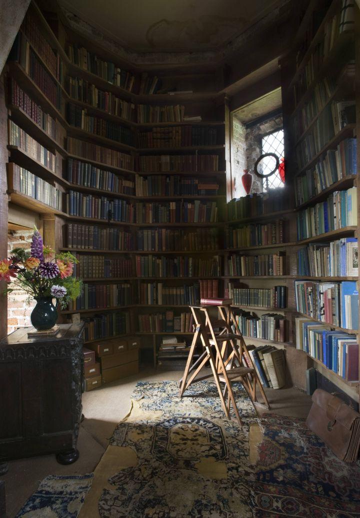 Bibliography Scavenger Hunt